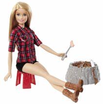 Barbie a tábortűznél