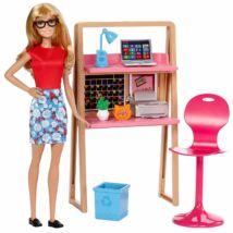 Barbie az irodában