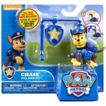 Mancs Őrjárat Action Pack figura jelvénnyel (Chase pull back pup)